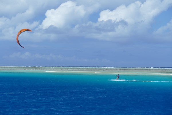 Kitesurfing Amanu